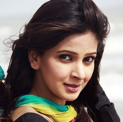 Saba Qamar Photo 26