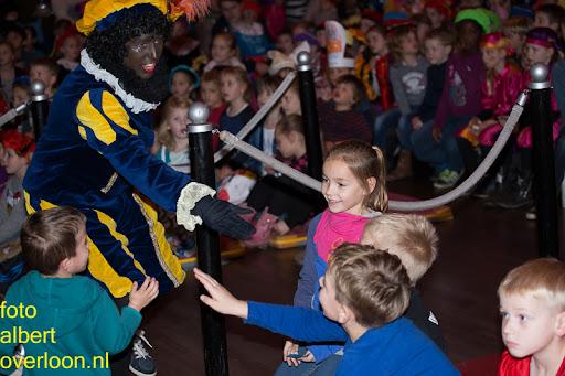Intocht Sinterklaas overloon 16-11-2014 (53).jpg