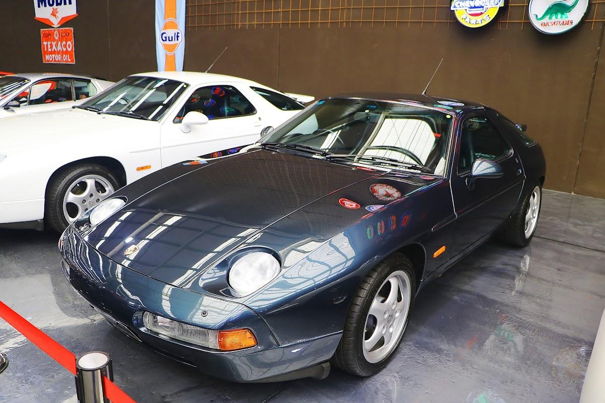 1995 Porsche 928 GTS (02).jpg