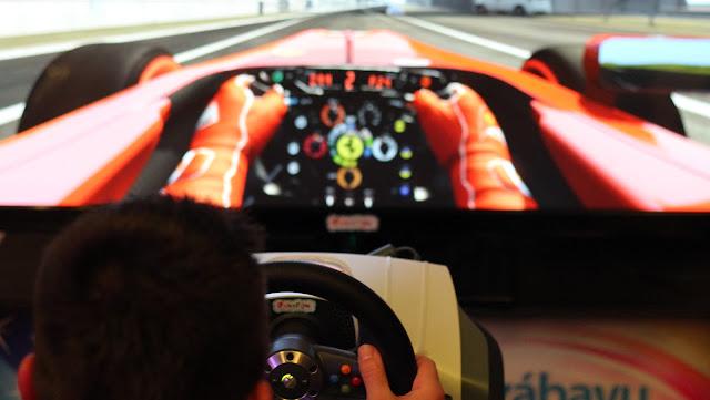 racing simulator do projekce pro realistické obrázky