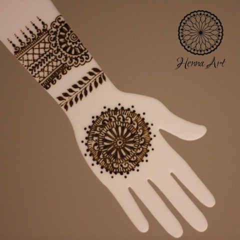 A Fourth Reason Acrylic Hands Are Awesome To Have For Henna Practice Is That They Allow The Perfect Surface Testing Paste Consistency