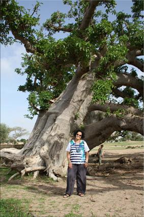 Posando junto a un Baobab
