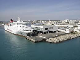 ميناء حلق الوادي: إيقاف 3 أشخاص كانوا يعتزمون التسلل لإحدى البواخر للاجتياز الحدود خلسة
