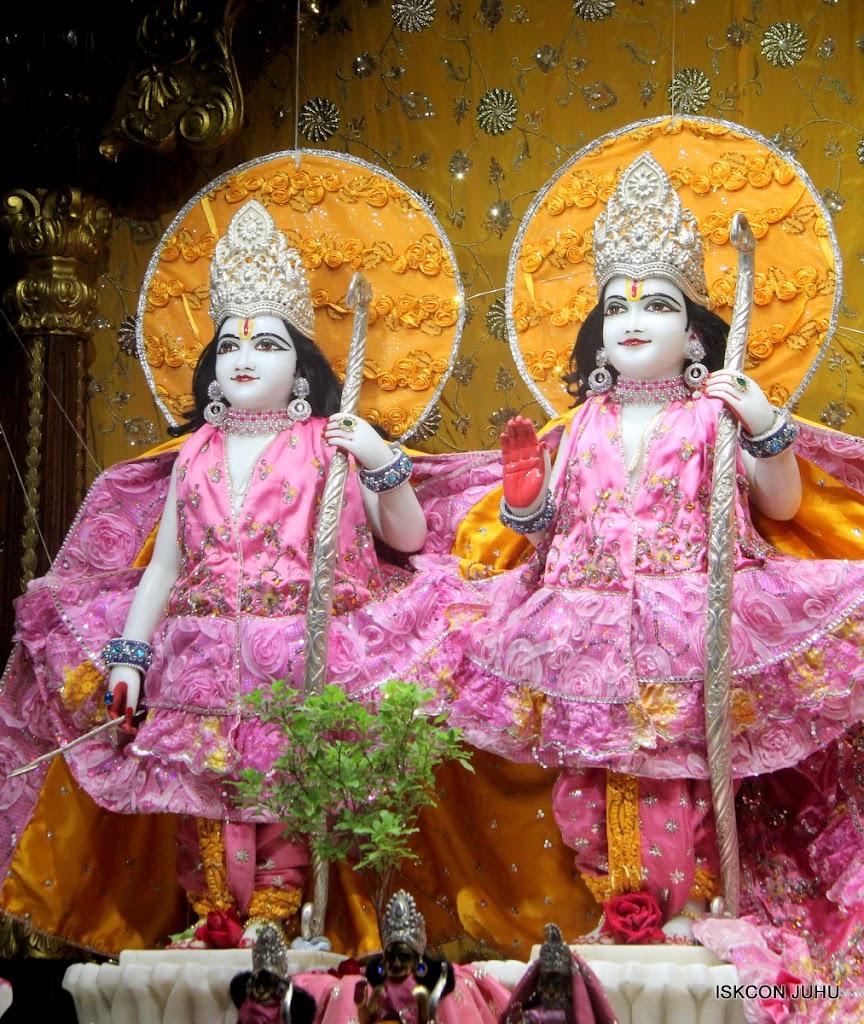 ISKCON Juhu Mangal Deity Darshan on 22nd July 2016 (4)