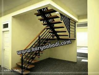 tangga besi lurus atau rebah