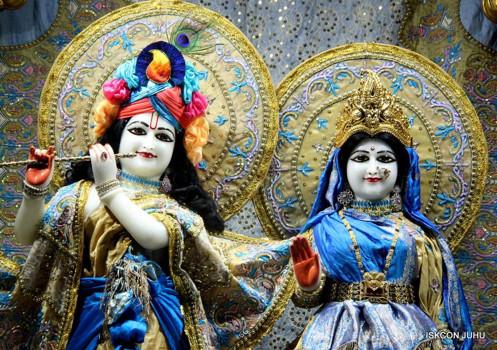 ISKCON Juhu Mangal Deity Darshan on 24 April 2016 (7)