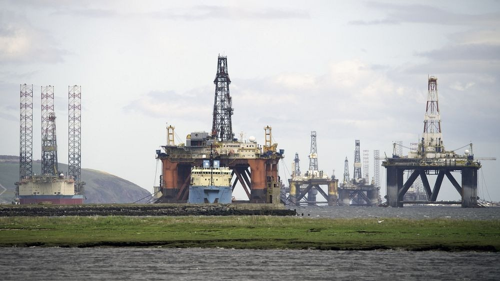 cromarty-firth-oil-rigs-10