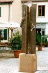 Neuenkirchen a. Brand Kath. Pfarrheim a. d. Schwelle zum dritten Jahrtausend Brunnen, Bronze 2001