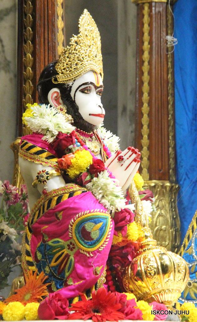 ISKCON Juhu Sringar Deity Darshan on 2nd Oct 2016 (28)