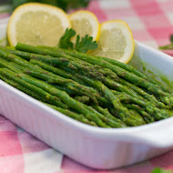 Asparagus with Lemon parsley sauce