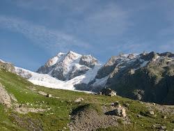 Aiguilles de Tré-la tête 3819m( Tour du Mont-Blanc).