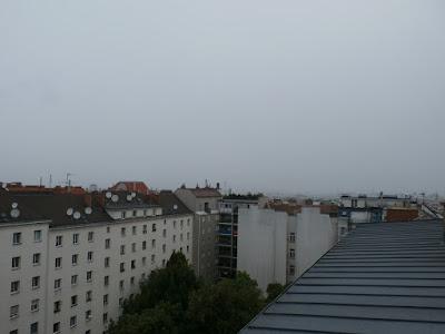Das Wetter in Wien-Favoriten am 14.07.2015  Zunächst noch trüb mit etwas Regen, gegen Nachmittag werden die sonnigen Abschnitte wieder länger, so sieht es aus am Dienstag in Favoriten.Die Temperatur hat sich seit Mitternacht kaum bewegt, nach 18.3°C in der Nacht halten wir aktuell um 10:15 Uhr bei 19,7°C und es wird am Nachmittag noch warm mit bis zu 25 oder sogar 26 Grad.  Weitere Wetterinformationen sowie Impressionen vom Tag: http://weatherman68.info/2015/07/14/das-wetter-in-wien-favoriten-am-14-07-2015/  #wetter  #wien  #wetterwerte  #favoriten  #sommer2015