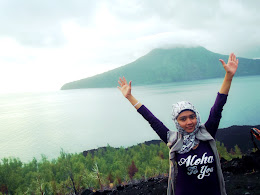 bass-ahmed-at-krakatoa-mountain-sunda-strait-indonesia-29-01-01-2012-053