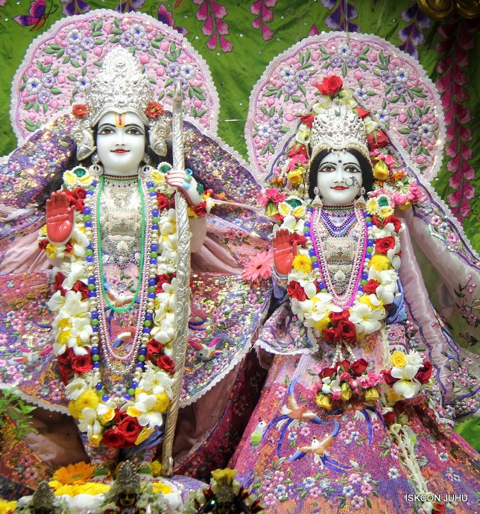 ISKCON Juhu Sringar Deity Darshan on 30th June 2016 (17)