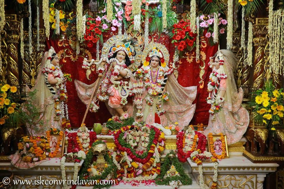 ISKCON Vrindavan Shringar Deity Darshan 29 May  2016 (24)
