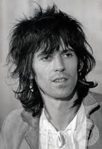 Keith Richards - backing vocal, guitarra e violão