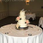 Love wedding cake 1.JPG