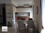 realizzazione di cucina Mesons M26 in noce e laccata bianca a Bergamo.JPG