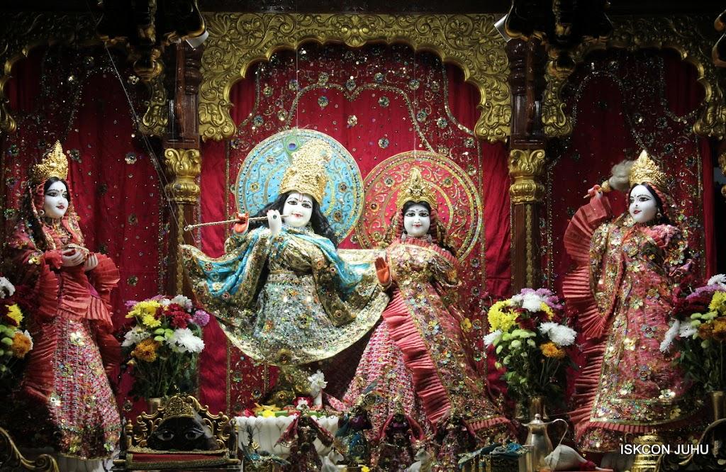 ISKCON Juhu Mangal Deity Darshan 11 Jan 2016  (30)