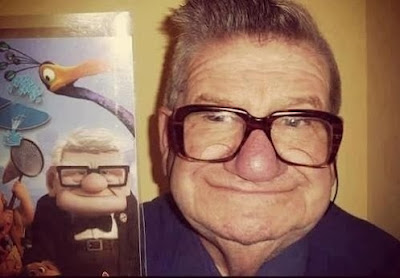 Separados à nascença: Carl Fredricksen (personagem do filme Up) e velhote