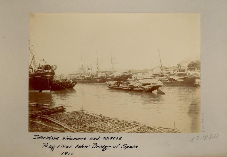 El vapor AEOLUS en el rio Pasig. Abarloado a el el VENUS de la misma compañia y a la derecha se aprecia la silueta del EDUARDO PELAYO. Foto de la web TROVE. phla470SID-final.jpg
