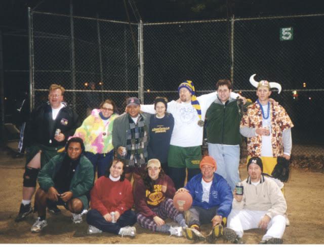 Kickball Fall 2000 - rbbteam.jpg