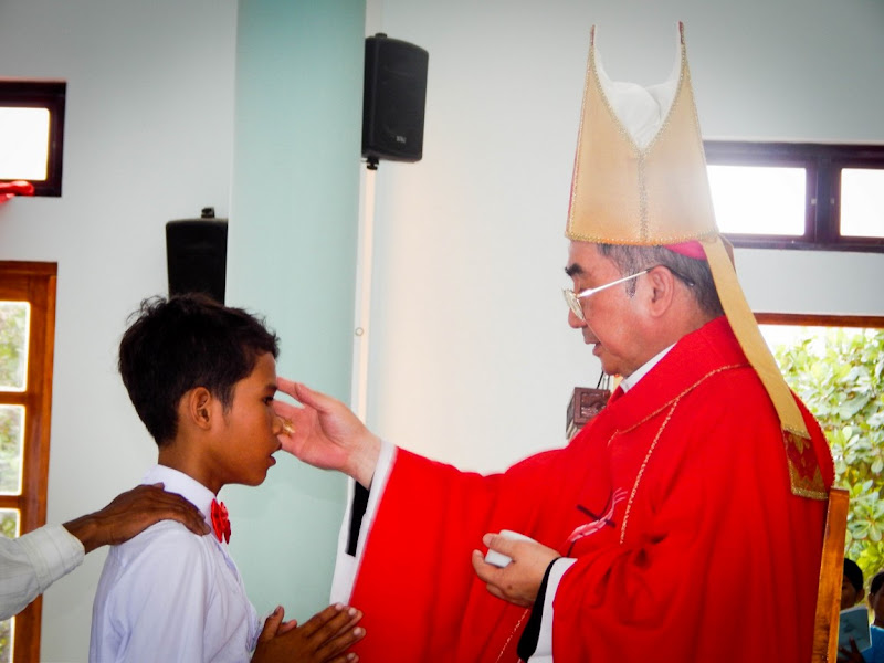 Hình ảnh Thánh lễ Thêm Sức tại Giáo xứ Bà Râu