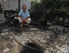 ثعابين تجبر مواطن تركي على حرق منزله