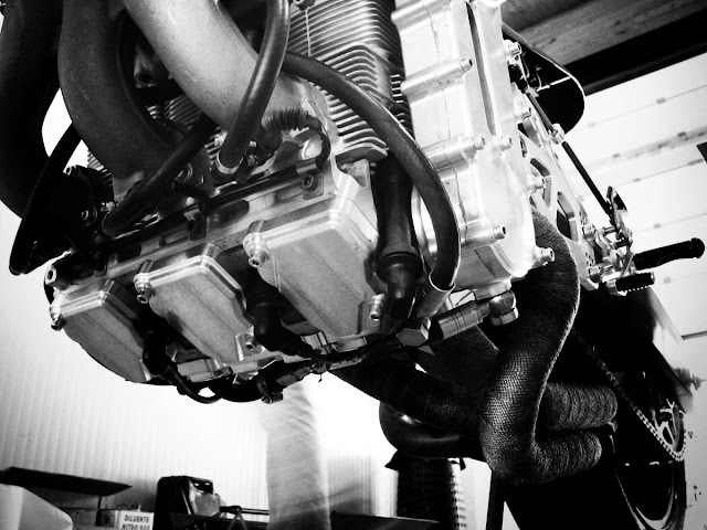nembo 32 café racer fordított motorblokk