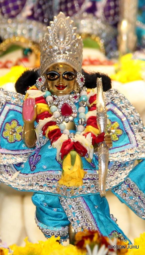 ISKCON Juhu Sringar Deity Darshan on 7th July 2016 (40)
