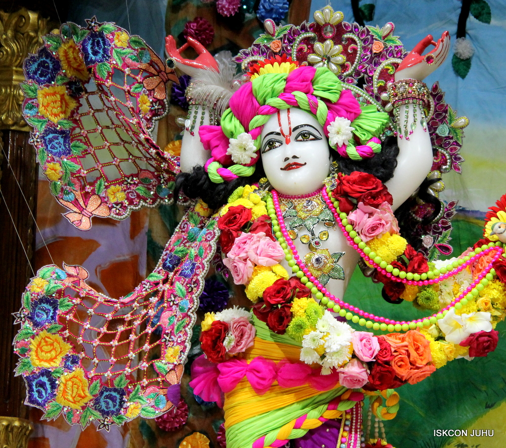 ISKCON Juhu Sringar Deity Darshan on 29th Sep 2016 (48)
