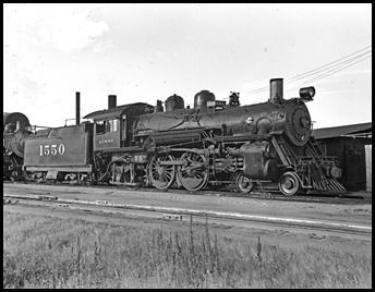 1940 Locomotive No. 1550, Atchison, Topeka & Santa Fe, Flickr, Part of: Everett L. DeGolyer Jr. collection of United States railroad photographs; No known copyright restrictions