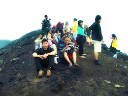 bass-ahmed-at-krakatoa-mountain-sunda-strait-indonesia-29-01-01-2012-037