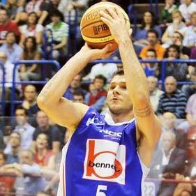 Vlado Micov viene operato al ginocchio martedì prossimo