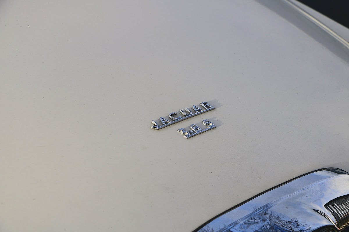 Jaguar 3.8 S-Type Boot Badge.jpg