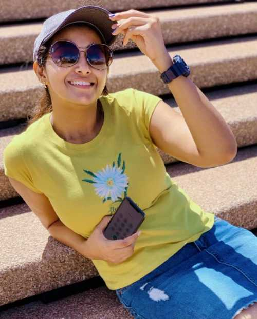 Actress Priya Bhavani Shankar Latest Photo Stills: Tamil Actress Priya Bhavani Shankar 30 Best Beautiful HD