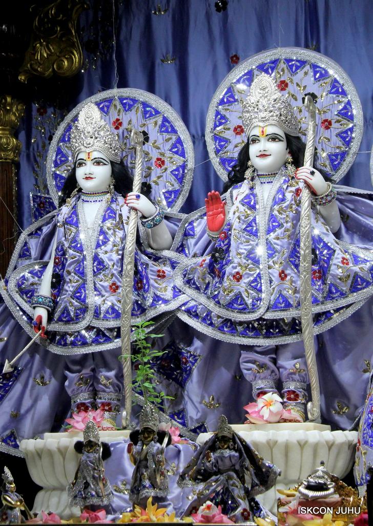 ISKCON Juhu Mangal Deity Darshan on 29th Sep 2016 (2)