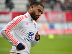 €35m Alexandre Lacazette 'On The Verge' Of Signing For Arsenal In The Summer