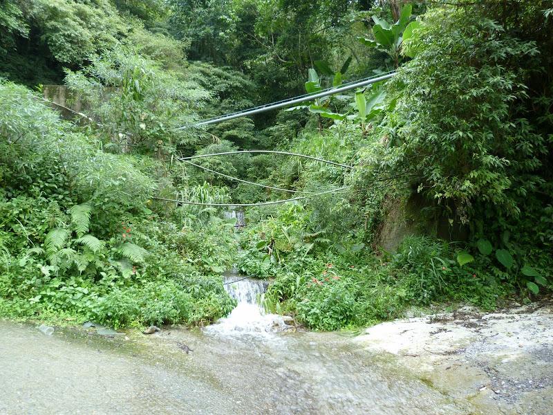 Puli  en passant , entre autres, par les villages de l ethnie Bunum de Loloko et Dili. J 10 - P1170132.JPG