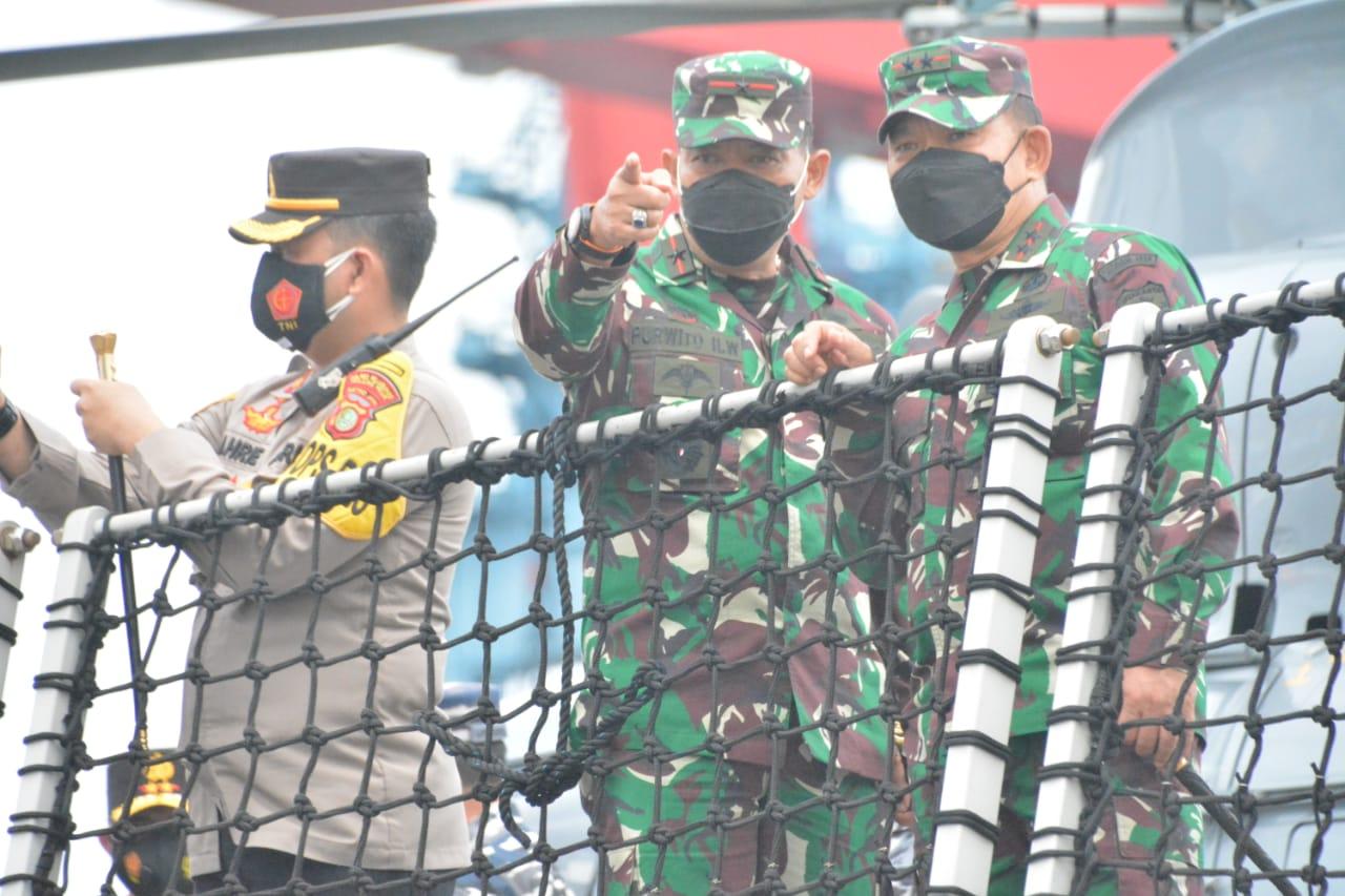 Panglima TNI bersama Menhub Cek Langsung Proses Pencarian Korban Pesawa SJ 181