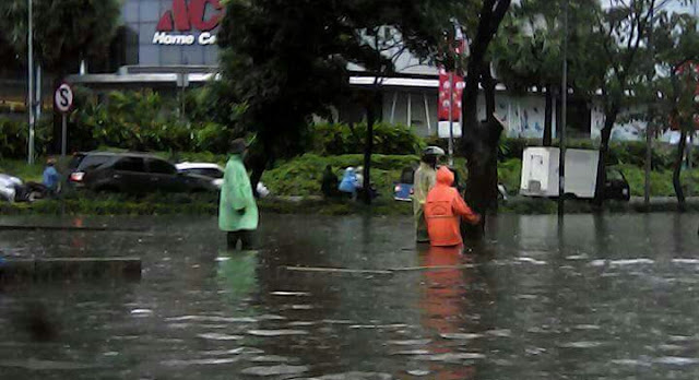 Banjir 1 meter di jakarta