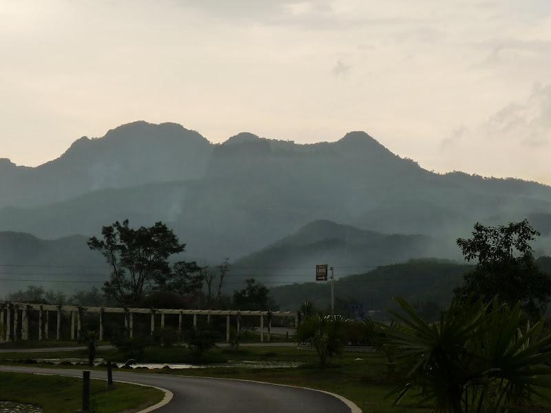 Chine .Yunnan . Lac au sud de Kunming ,Jinghong xishangbanna,+ grand jardin botanique, de Chine +j - Picture1%2B661.jpg
