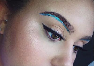 AW16 beauty trends, Glitter Arch - StyleBuzzUK