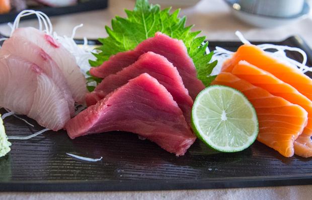 close-up photo of 3 Kind Combination Sashimi