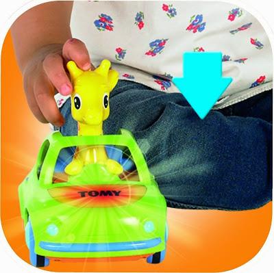 Hươu con lái xe ô tô có nhạc và có đèn chạy khi bé ấn lên đầu nó
