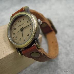 大切な時計がオリジナルの手作り品に変わりました。