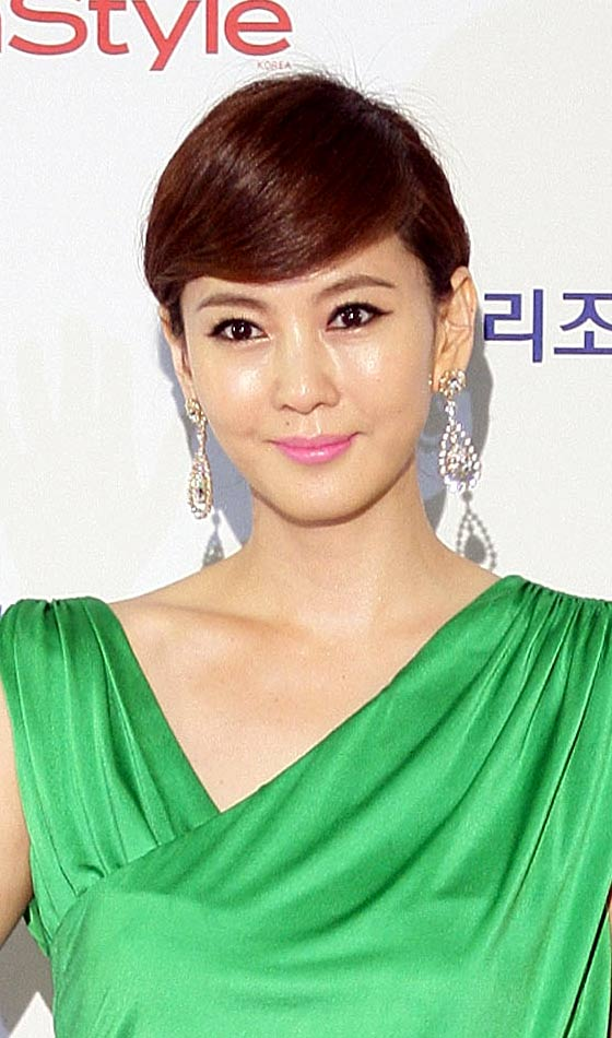 Popular Korean Short Hairstyles Styles 2d