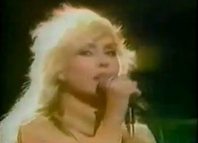Blondie, Detroit 442, Old Grey Whistle Test, Debbie Harry, Plastic Letters : Denis, Youth nabbed as snipper, I'm on E, Love at the Pier - Blog with a View - blog-with-a-view.blogspot.com - Thierry Follain