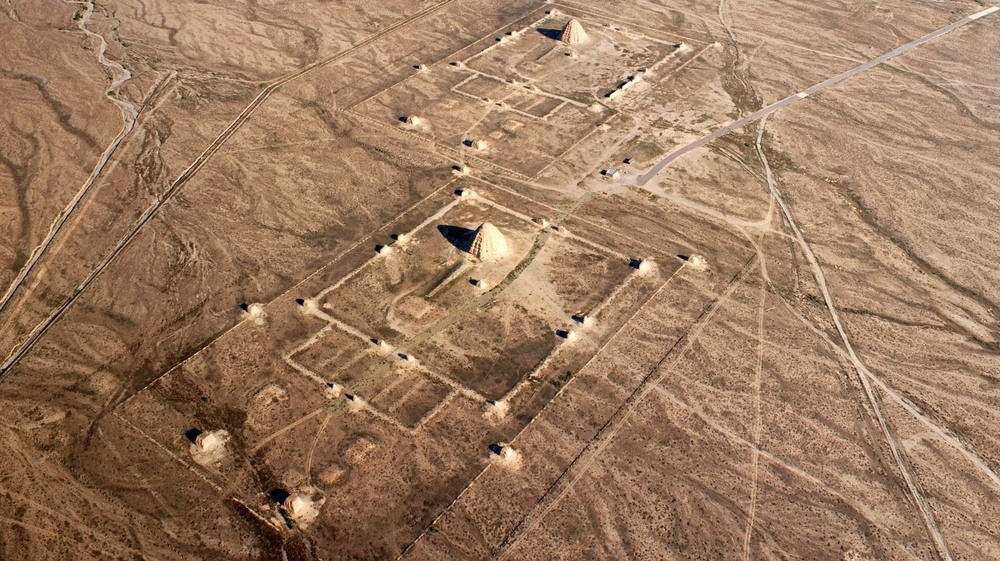 western-xia-tombs-4