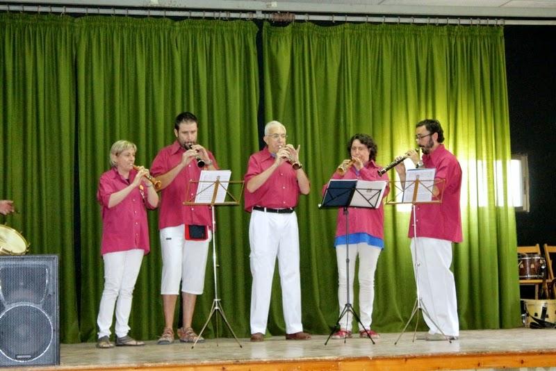 Audició Escola de Gralles i Tabals dels Castellers de Lleida a Alfés  22-06-14 - IMG_2367.JPG